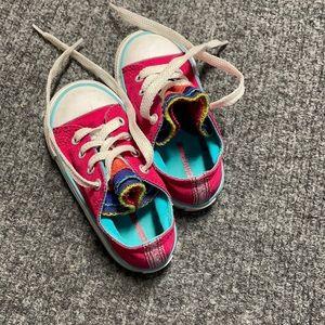 Like New! Girl's pink, rainbow tongue Converse- 7